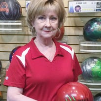 Legally blind Donna Voyles bowls 600 series against long odds