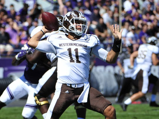 Zach Terrell (11) of the Western Michigan Broncos passes