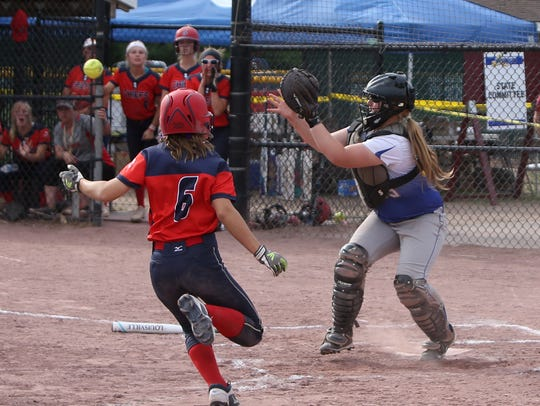 Maine Endwell's Jacqueline Begelow catches the ball