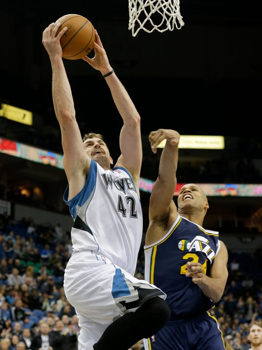 MNCO 0727 Why hasn't Kevin Love been traded yet.jpg