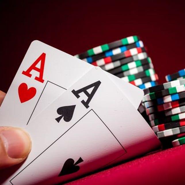 Автомат Дикие Двойки сыграйте в покер в онлайн казино Вулкан