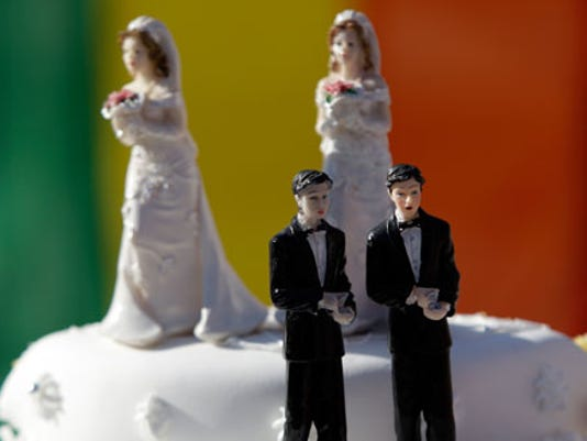 same_sex_wedding_cake_ap.jpg