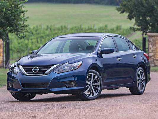 Nissan says new Altima gets 39 mpg on highway