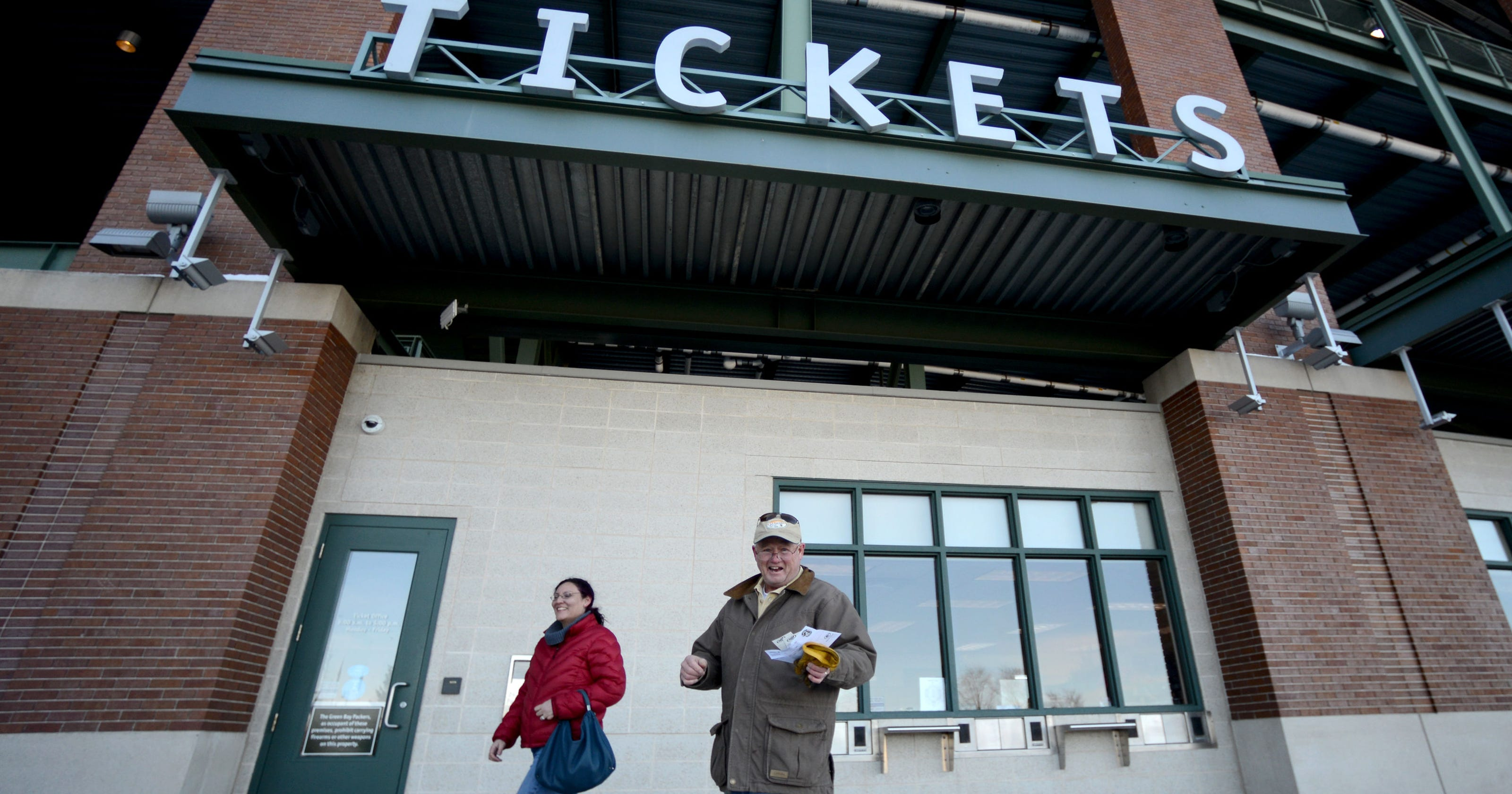 e2e8121eb Packers to sell 300 standing-room tickets for Sunday