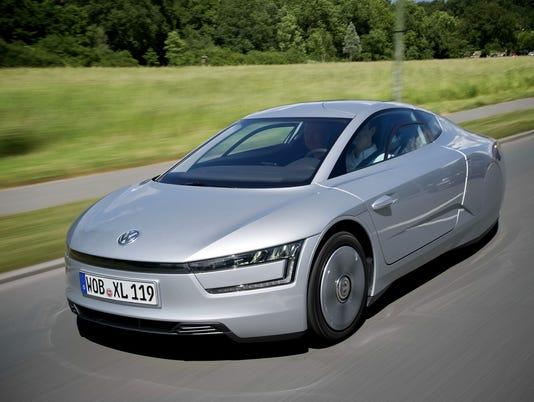 635483127564172588-2015-Volkswagen-XL1-Hybrid
