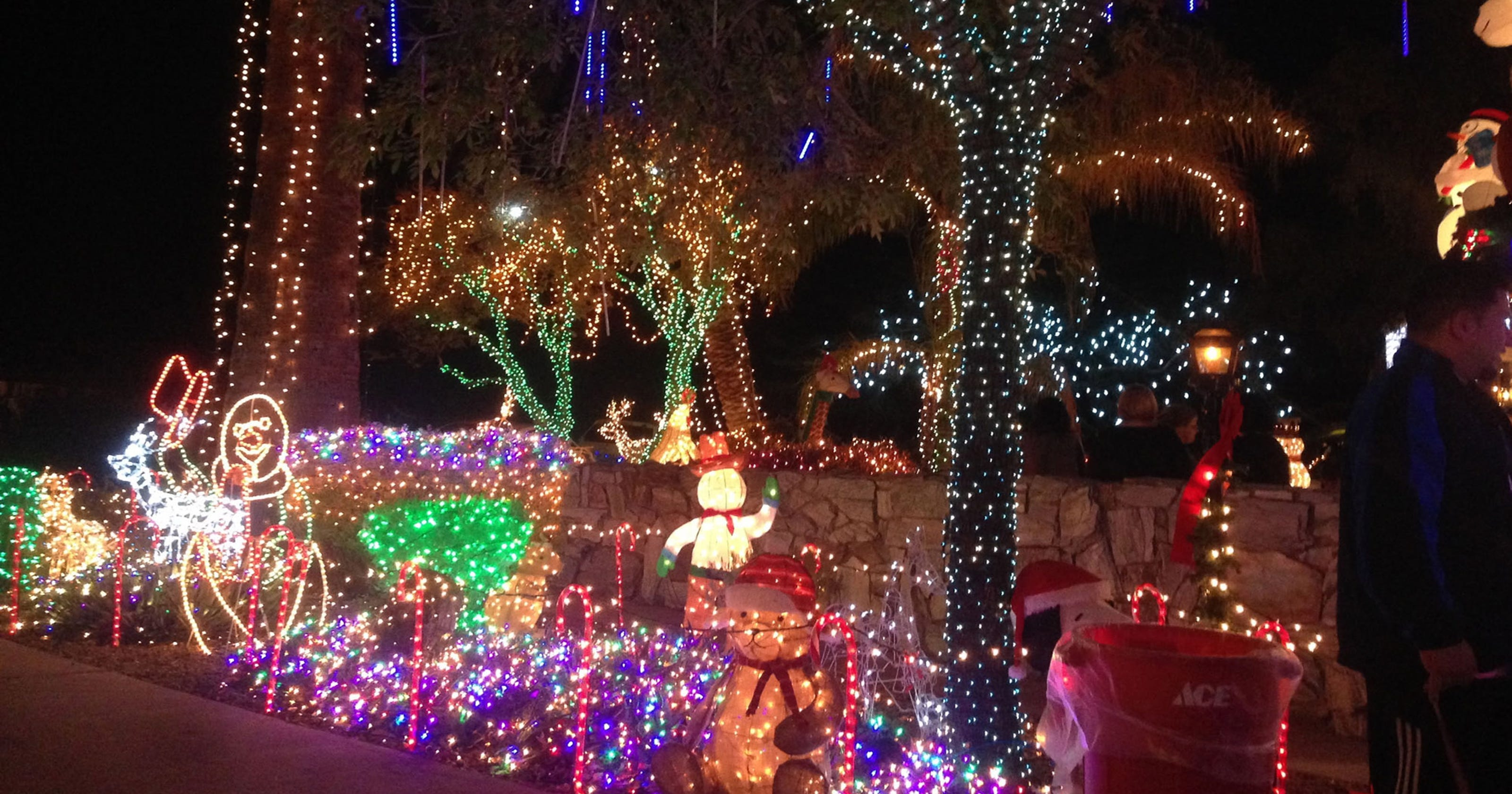 christmas lights phoenix house will go dark after city pushback