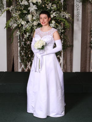 The daughter of Montgomery physicians Jamie Walcott and George Dexter Walcott Jr., LAMP graduate and Duke University sophomore Mary Hayden Walcott was among 14 debutantes presented to society during the White and Gold Ball in Greenwood, MS (Contributed)