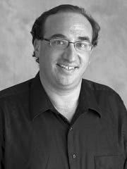 Dan Weiser, pianist and artistic director of AmiciMusic.