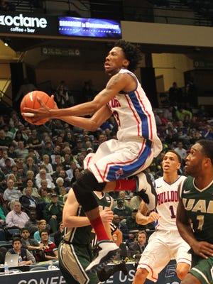 Louisiana Tech's Raheem Appleby drives to the basket vs. UAB.