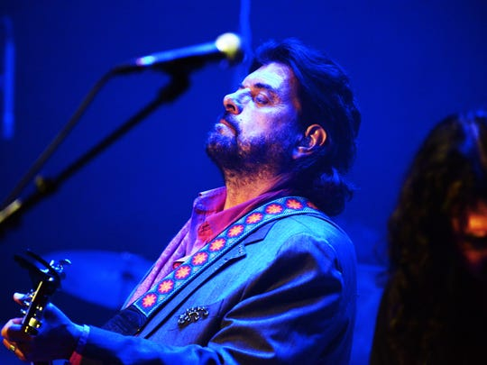 "Alan Parsons produced major albums, including the Beatles' ""Let It Be"" and ""Abbey Road,"" before taking the stage himself."
