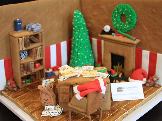 636476518014746330-gingerbread-desk.jpg
