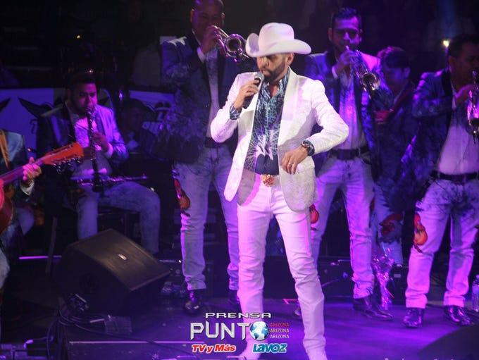 Pancho Barraza puso a bailar a todos en su presentación