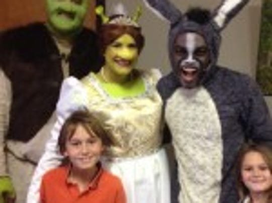 Matt Smith as Shrek, Kerrie Kairdolf as Fiona, Gerald Oliver as Donkey, and the DeGennaro siblings.