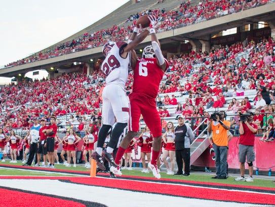 Ragin' Cajuns wide receiver Michael Jacquet leaps to