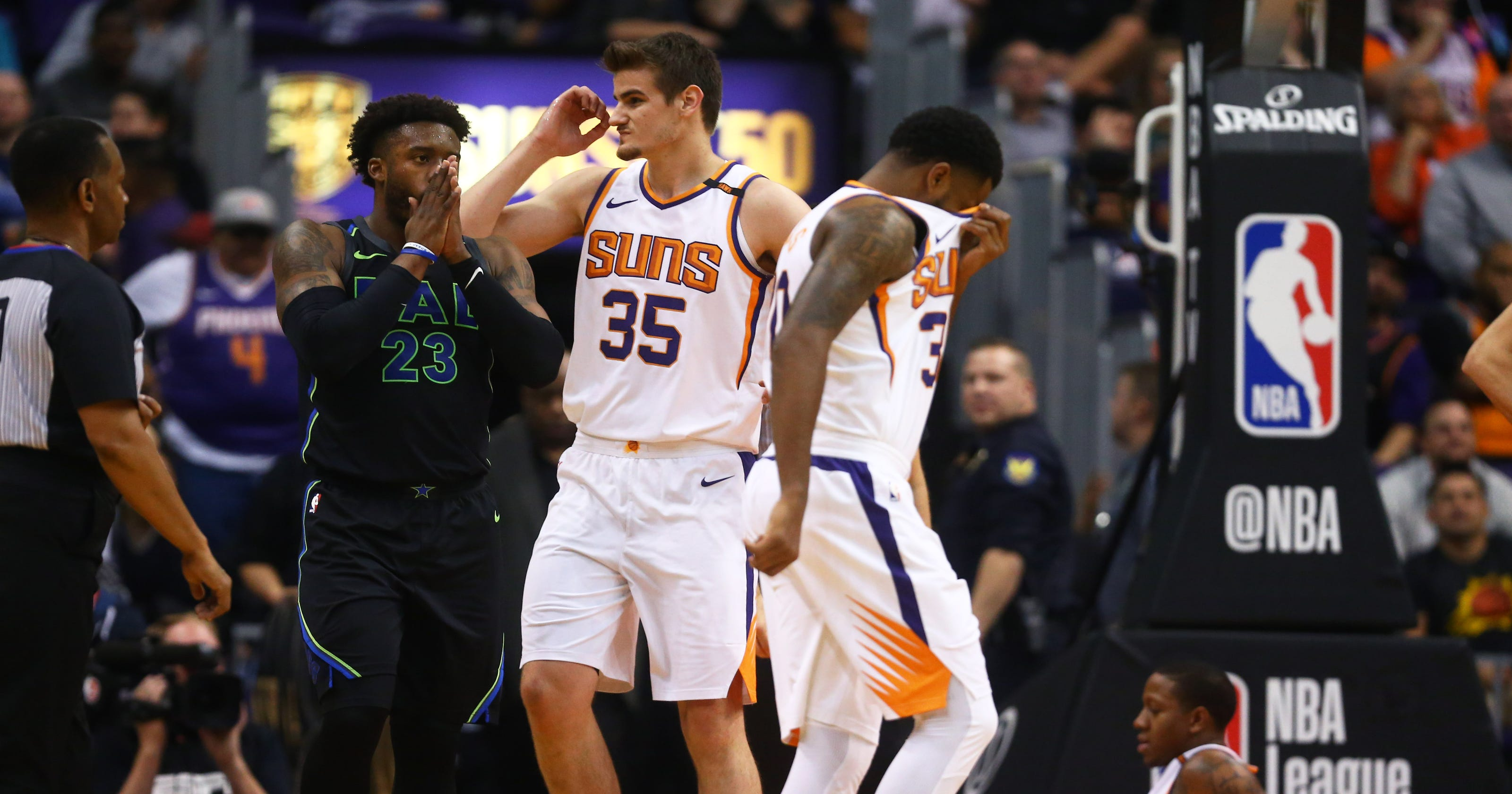 Phoenix Suns  Isaiah Canaan suffers gruesome ankle injury 3a8cca3e5