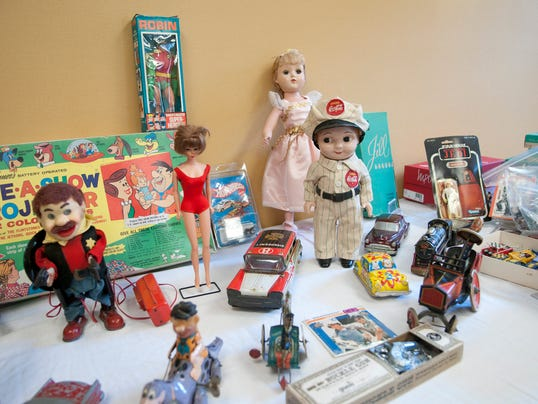 INI Toy-buying show 02.JPG