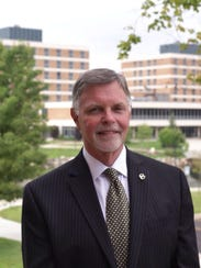 Oakland University President George Hynd in a 2014