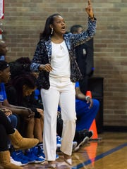 Murrah head coach Tangela Banks calls a play during the first half against Starkville Thursday January 25th, 2018 at Murrah High School.(Bob Smith-For the Clarion Ledger)