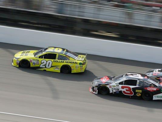 635999477710722135-AP-NASCAR-Michigan-Auto-Raci.jpg