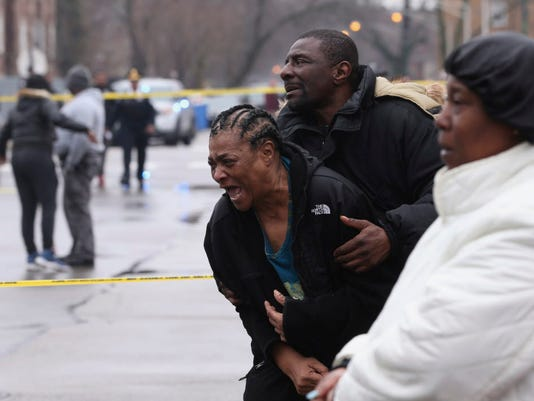 AP APTOPIX CHICAGO VIOLENCE A USA IL