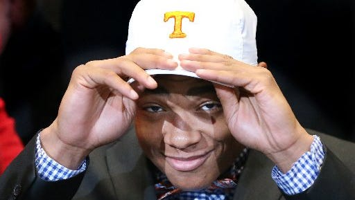 Nigel Warrior chose Tennessee on national signing day 2016.