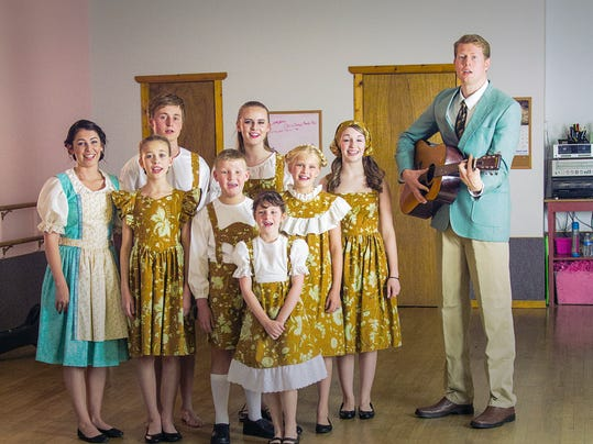 -the sound of music miss lindas.jpg_20140625.jpg