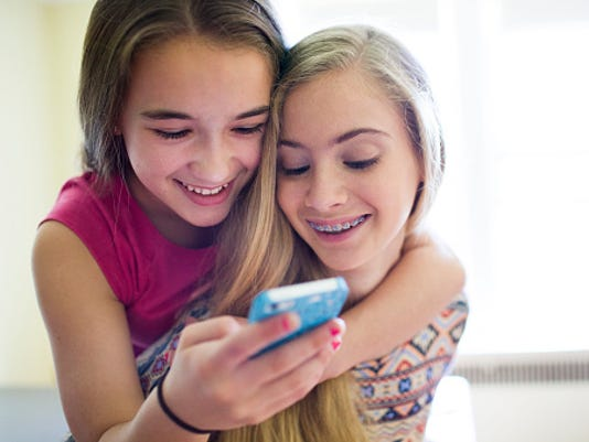 6 apps your kids are downloading right now that you might need to watch out for