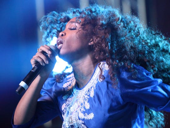 SZA performs at the Gobi tent on the second Saturday