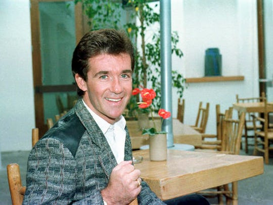 FILE - This Oct. 31, 1986 file photo shows actor Alan Thicke in Los Angeles. On Tuesday, Dec. 13, 2016, a publicist said the actor has died at the age of 69.