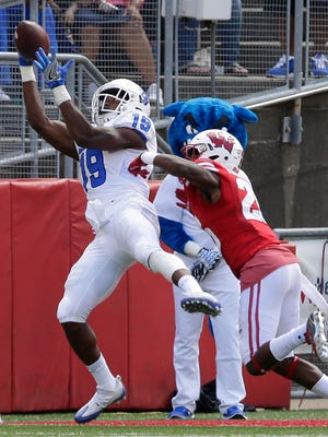 Georgia State wide receiver Robert Davis beats Badgers cornerback Derrick Tindal for a touchdown Saturday.