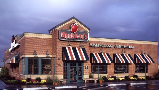 Exterior shot of an Applebee's restaurant.
