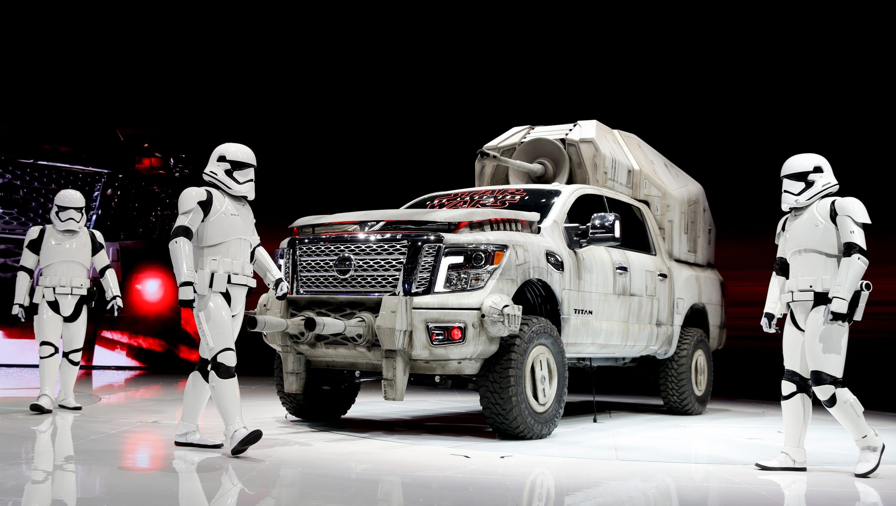nissan unveils its star wars vehicles. Black Bedroom Furniture Sets. Home Design Ideas