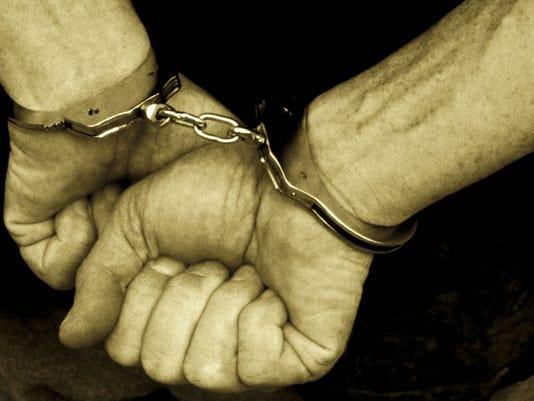 -Handcuffs.jpg_20140403.jpg