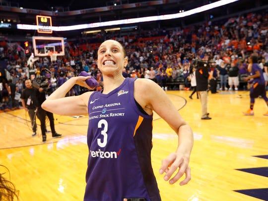 Phoenix Mercury forward Diana Taurasi (3) throws a