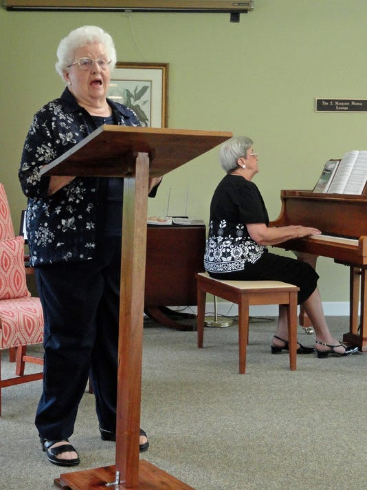 636036580639755303-Vocalist-Claudia-Deen-is-accompanied-on-the-piano-by-her-sister-Ann-Grubb-who-will-be-roommates-at-the-upcoming-Southern-Gospel-music-school-at-MTSU.jpg