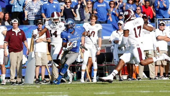 UK receiver Demarco Robinson put the Cats on the board with a 67-yard touchdown catch in the first quarter Saturday.