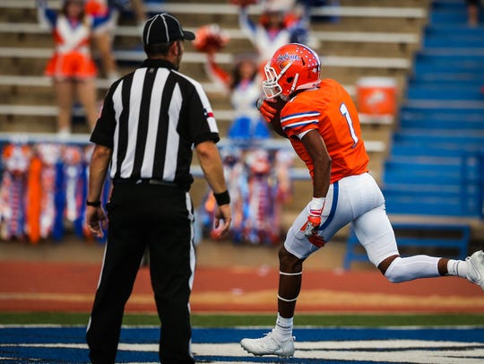 San Angelo Central wide receiver caught a 28-yard touchdown pass on the final play of the game against Mansfield on Nov. 24, 2017.