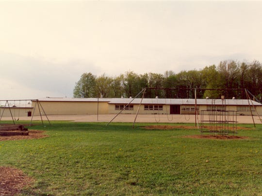 Photo of Vesper Elementary School taken in the mid-1980s.