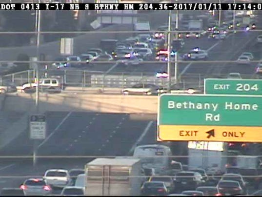 Crash closes I-17 at Bethany Home Road