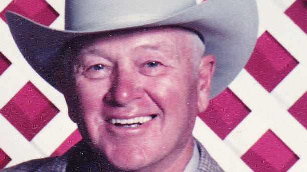 Robert (Bob) Clyde Dent, 87, of Fort Collins, Colorado passed away August 24, 2014.  He was born June 20, 1927 in Council Grove, Kansas to Clyde and Ethel Dent.