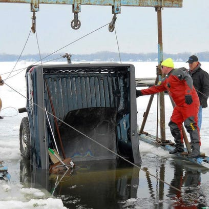 Stingl: Sunk? Dive & Ice Service enjoys fishing — for your submerged vehicle