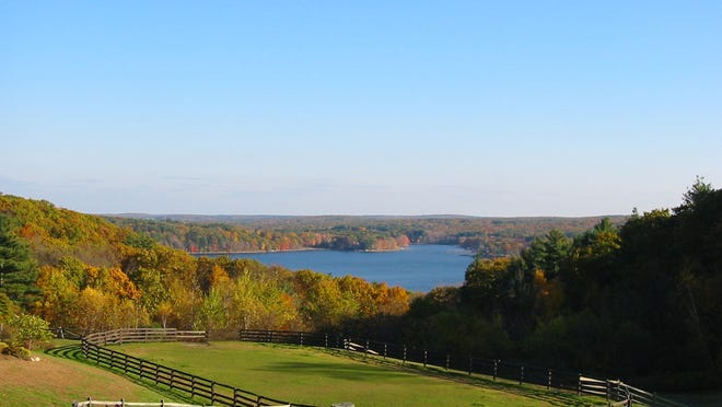 Manchaug Pond overlook