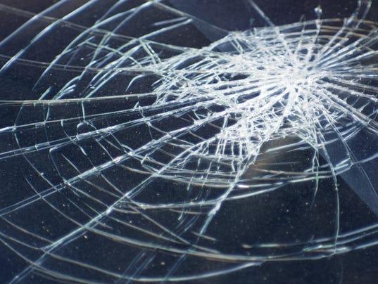 636253778835630367-broken-windshield-generic-accident-photo.jpg