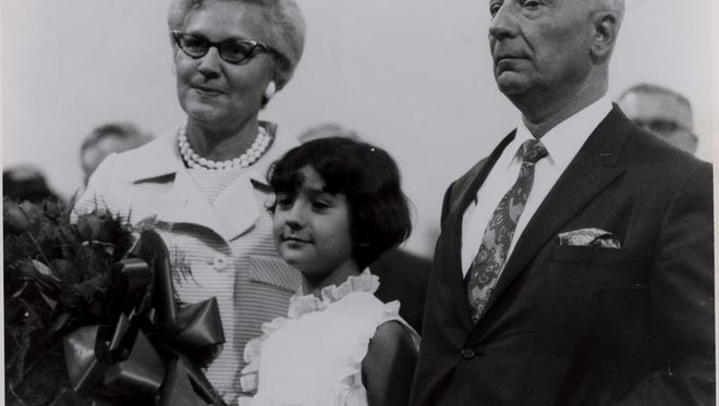 From left, Anna, Naomi and Morrie Silver are shown in his file photo. Naomi, who was 9 in the picture, is the Wings' current president. Her mother died Saturday.