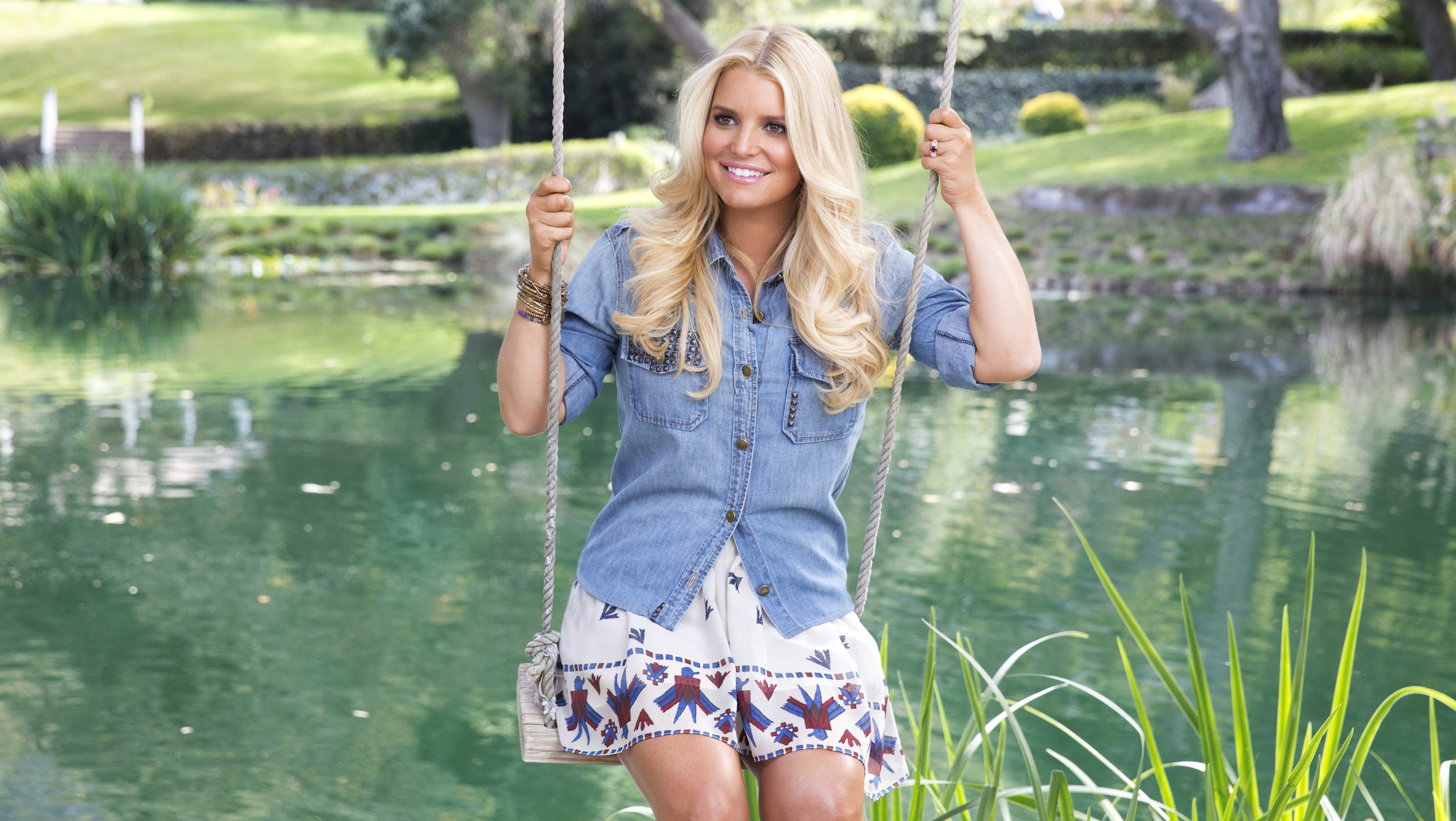 Jessica Simpson drops extra pounds from second baby
