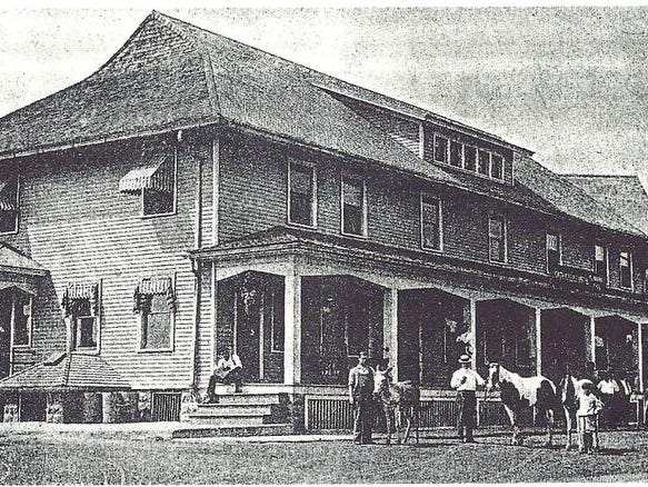 The North Greece Hotel, circa 1912.
