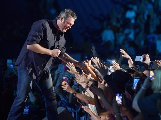 Country star Blake Shelton performs during the CMA