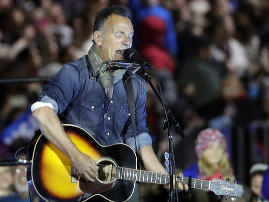 AP PEOPLE BRUCE SPRINGSTEEN TRUMP A ELN ENT FILE USA PA