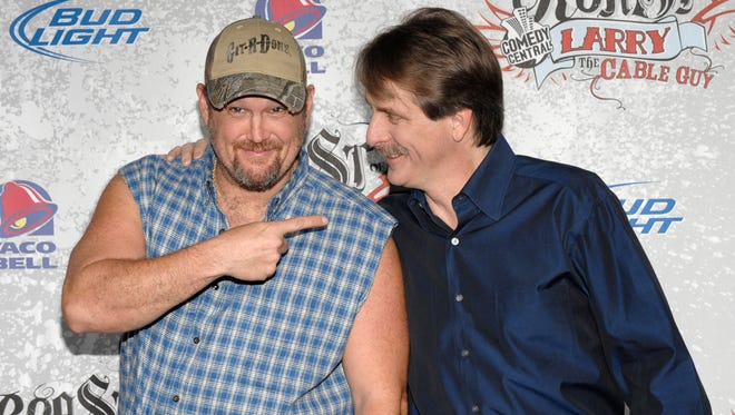 Comedians Larry the Cable Guy (left) and comedian Jeff Foxworthy