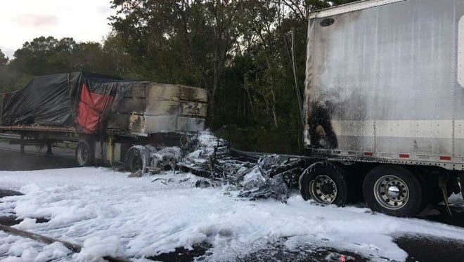 Two semis-collided on Interstate 95 early Saturday morning.